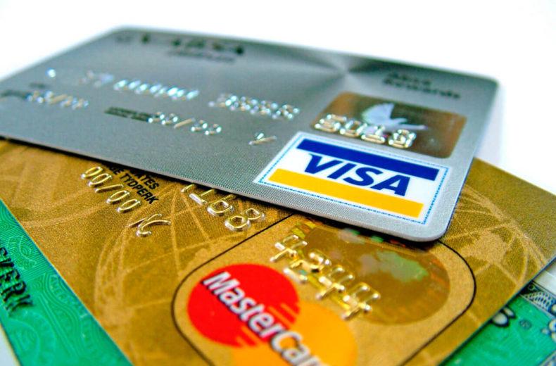 В каком банке можно взять кредит наличными только по паспорту